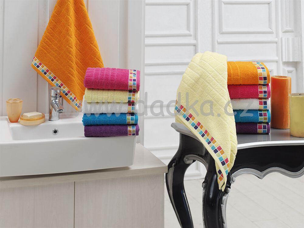 Ručník a osuška Mozaik 450g/m2 ručník tmavě fialový, rozměr 50x90 cm.