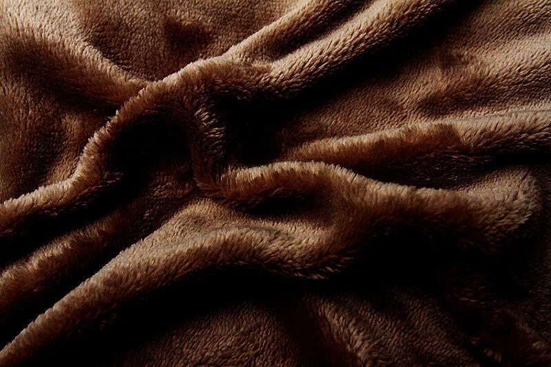 Jednobarevné mikroflanelové prostěradlo v barvě tmavě hnědé, Svitap