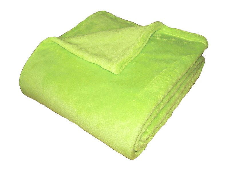 Super soft deka - světlá kiwi rozměr 150/200cm.
